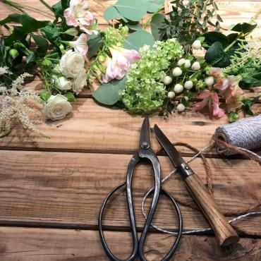 Bouquet avec les fleurs du jour, Des Lys & Délices, Sion, Livraison de fleurs durant la pandémie de coronavirus
