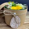 Flower box, boite à fleurs naturelle avec des fleurs aux teintes printanières, Des Lys & Délices, Sion